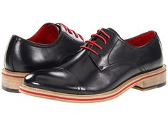 Simple Cap Toe Shoe - Steve Madden Andiee Navy Leather