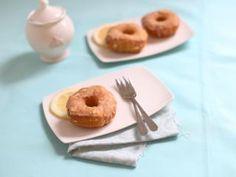 Cronut mit Zitronenfüllung