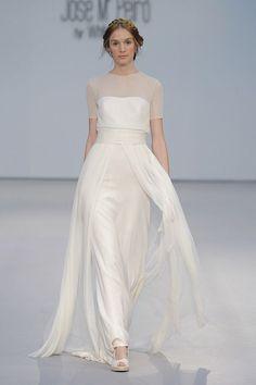 Wedding Dresses / José María Peiró for WhiteDay - Vintage Style Wedding Dresses, Wedding Dresses 2018, Stunning Wedding Dresses, Beautiful Gowns, Bridal Style, Bridal Dresses, Wedding Vintage, Vintage Mode, Style Vintage