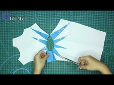 FiFi Style: Tutorial Video - How to make twisted side dress Sewing Lessons, Sewing Hacks, Sewing Crafts, Sewing Projects, Sewing Tips, Dress Sewing Patterns, Clothing Patterns, Pattern Draping, Herringbone Stitch