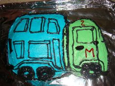 The garbage truck cake I made for Milo's b'day, with my shaking piping hand....wish I was a better decorator!