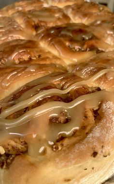 covered with a creamy #toffee #icing The #ultimate #coffee #craving Toffee, Cinnamon Rolls, Baking Recipes, Cravings, Icing, Recipies, Sweet Treats, Deserts, Food Porn