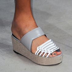 The Best Runway Accessories from Spring 2015: Creatures of the Wind
