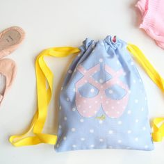 These little ballet bags are fully lined and easy peasy to make