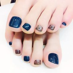 I hope you like the picture today, and we'll update it later. Pretty Toe Nails, Cute Toe Nails, My Nails, Toe Nail Color, Toe Nail Art, Nail Colors, Toenail Art Designs, Acrylic Nail Designs, Matte Nails Glitter