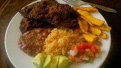 Bistec empanizado/ breaded steak