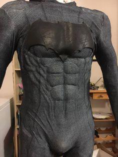 Batman bodysuit that I made, the customer has glued it to a rubber muscle suit Nightwing Cosplay, Batman Cosplay, Superhero Cosplay, Cosplay Diy, Cosplay Costumes, Dc Comics, Batman Redesign, Batman Costumes, Batman Suit
