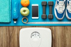 When it comes to figuring out how to lose 5 pounds, it's best to trust the experts. Dietitians weigh in on their time-tested tips to drop weight fast. Weight Loss Goals, Weight Loss Journey, Weight Gain, Losing Weight, Drop Weight Fast, Need To Lose Weight, Bikini Fitness, Healthy Body Weight, Lose 5 Pounds