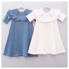 Disse to💙 #strikke #strikkedilla #strikkeglede #strikkefavoritter #kjole #jentestrikk #strikketilbarn #strikkekjole #dansekjole #ministrikk… Knit Baby Dress, Baby Girl Dresses, Baby Knitting, New Baby Products, Knitwear, Knitting Patterns, Knit Crochet, Kids Outfits, Kids Fashion