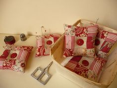 great BLOG about pin cushions...check out