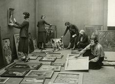 Curadoras en Whitechapel Gallery, Londres, 1930