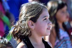 https://flic.kr/p/ExtJNd   Chiloé013   Niña en Fiesta Callejera en ciudad de Quemchi, Chiloé, Los Lagos, Chile.