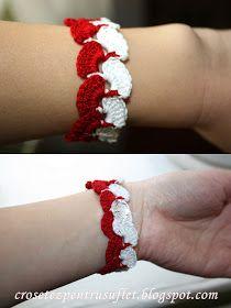 Crochet Boutique: Brăţară - mărţişor Crochet Bikini Pattern, Crochet Patterns, Crochet Bracelet, Little Things, Lana, Diy And Crafts, Textiles, Bracelets, Creative