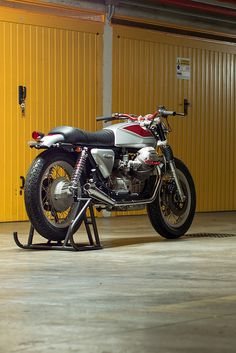 "Top Italian customizer Filippo Barbacane of Officine Rossopuro does not like 'Brat' style bikes. ""I get the impression that they're beautiful to look at, but they're not really usable. I try to build motorcycles that can travel for many kilometers."" To prove his point, here's Quattrotempi ('four stroke'), a stunning 1981 Moto Guzzi 1000 SP built for a customer in Rome. We're sold. Are you?"