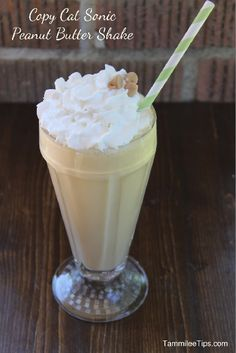 Copy Cat Sonic Peanut Butter Shake is so easy! Skip the drive in and make this recipe at home! The perfect summer drinks recipe the entire family will love! Yummy Drinks, Delicious Desserts, Dessert Recipes, Yummy Food, Dessert Blog, Yummy Treats, Tasty, Peanut Butter Milkshake, Chocolate Milkshake