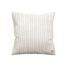 ilanna México | producto mexicano | hecho en México | 100% algodón | cojines y frazadas | #ffe #homedesign #hotel #interiordesign #interior #home #cotton #cushion #pillow | contact: ventas@ilanna.mx Interiores Design, Cushions, House Design, Throw Pillows, Blanket, Home Decor, Blankets, Mexican, Homemade Home Decor