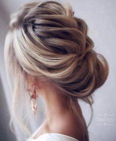 Trendy Chic Updos Ideas For Medium Length Hair36