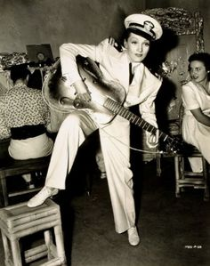 Tumblr Marlene Dietrich, Gentleman, Che Guevara, Pants, Fashion, Scene, Trouser Pants, Moda, Fashion Styles