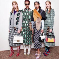 パリ女子はこの通り!みんなタッキースタイルに夢中。タッキースタイルコーデ☆参考にしたいスタイル・ファッションのアイデア♪