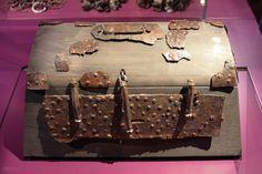 Haithabu Kammergrab 5 - Truhe, Holz/Eisen/Bronze