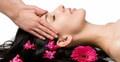 Benefits of Oiling Your Hair Regularly - Now you have the reason to massage your head. Check out the benefits of oiling your hair regularly. Shop for natural beauty care and skin care products. Health Guru, Health Trends, Beauty Care, Beauty Hacks, Beauty Tips, Hair Beauty, Beauty Style, Beauty Solutions, Beauty Quotes