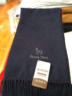 Chalina Peinada color 531, Medidas 180x22 cms. 30 % Alpaca Michell, bordado Alpaca Perú.
