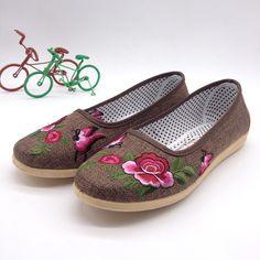 安いクラシック中国風の新しい フラット シューズ レディー靴を ペダル エスニック中国結び女性の シングルス の靴送料無料、購入品質女性の フラッツ、直接中国のサプライヤーから:スタート新しい春2015xiaji韓国男子cファンの靴の男性。。。価格:$18.18送料無料2015新しいメンズファッションシューズのレジャー。。。価格:$18.00送料無料男性用スニーカー靴ファッションrecre。。。価格:$23.90熱