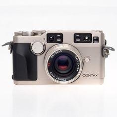 Contax G2 Rangefinder 35mm Film Camera w 45mm F2 TLA200 202000