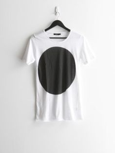 616659c5f062 Bassike white t-shirt has been marketed as a fashion staple. It is  identified itself as a classic yet trendy item with the brand signature