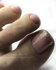 Make an original manicure for Valentine's Day - My Nails Glitter Toe Nails, Black Toe Nails, Pretty Toe Nails, Cute Toe Nails, Glitter Pedicure, Toe Nail Color, Toe Nail Art, Nail Colors, Nail Designs Toenails