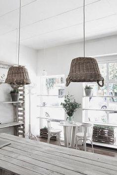 EN MI ESPACIO VITAL: Muebles Recuperados y Decoración Vintage: Una herboristería muy especial { A very special herbalist's shop }