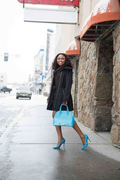 Combining a sweater dress and waterproof coat on a wet day. Touch of blue to tast. http://www.lapassionvoutee.com/2015/11/sweater-dress.html
