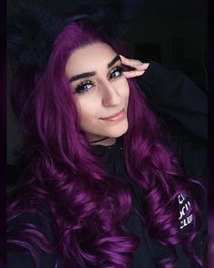 Amazing 100 Hair Colors Trends To Try This Season Hair Color Purple, Cool Hair Color, Pink Hair, Hair Colors, Short Hair With Bangs, Hairstyles With Bangs, Cool Hairstyles, Natural Hair Styles, Short Hair Styles