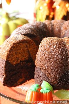 Delicious Marbled Pumpkin and Chocolate Bundt Cake