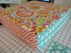 Easy DIY Cushion Recover tutorial.