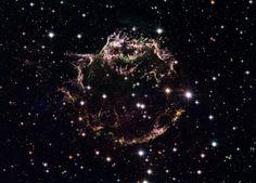 Cassiopeia A, vestiges d'une étoile supernova, la plus jeune de la Voie Lactée