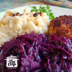 ❤️ German Red Cabbage Recipes made Just like Oma ⬅︎ German red cabbage www.quick-german-… is such a traditional side dish that fits with most German meals. Easy Red Cabbage Recipe, German Red Cabbage Recipes, German Recipes, German Cabbage Rolls, Red Cabbage Salad, Ukrainian Recipes, Croatian Recipes, Dutch Recipes, French Recipes