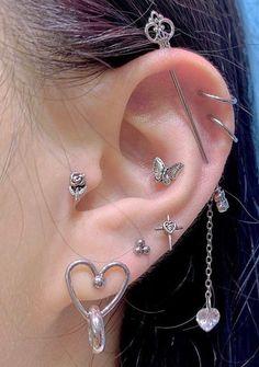 Ear Jewelry, Cute Jewelry, Jewelry Accessories, Funky Jewelry, Jewlery, Pretty Ear Piercings, Grunge Jewelry, Accesorios Casual, Piercing Tattoo