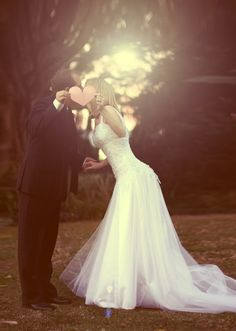 A love escape wedding Wedding Kiss, Wedding Gowns, Dream Wedding, Wedding Styles, Wedding Photos, Wedding Ideas, Sweet Kisses, Creative Wedding Photography, Romantic