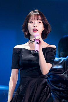 Internet Girl, Korean Singer, Korean Actors, Kpop Girls, Korean Girl, Girl Group, Actors & Actresses, Short Hair Styles, Youtube