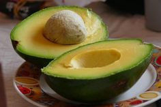 Doctors at the International Council for Truth in Medicine are revealing the truth about diabetes that has been suppressed for over 21 years. Avocado Smoothie, Avocado Health Benefits, Avocado Nutrition, Food Nutrition, High Fiber Foods, Good Fats, Omega 3, No Carb Diets, Healthy Fats