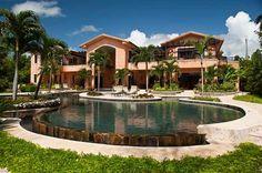 Villa Flor de Cabrera es una villa de lujo de primera línea para vacacionar, con casi 2 hectáreas de playa virgen, dentro de los estados de ...