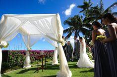 Kathy Ireland Weddings - Hawaii Venues - Chic outdoor beach wedding ceremony