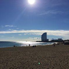 #desayuno en la #playa de la#barceloneta! #ioamolinverno #ilovewinter #mare #sea #mar #breakfast #colazione #domingo #day #sunday #sundaymorning #bcn #barcelona