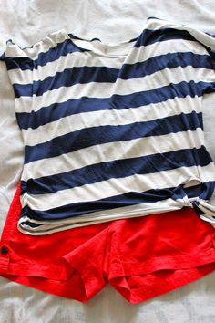 Very cute Spring Break look for an Ole Miss Rebel. Cute Simple Outfits, Cool Outfits, Summer Outfits, Blue Outfits, Nautical Outfits, Blue Fashion, Fashion Spring, Red Shorts, Complete Outfits
