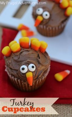 Turkey Cupcakes- so fun and so easy for Thanksgiving!  These are perfect for class parties or a dessert table.