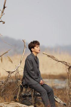 Chen EXO 'Beautiful Goodbye' MV behind the scene Exo Chen, Baekhyun Chanyeol, Kai, Exo Album, Exo Official, Exo Lockscreen, Kim Jongdae, Fandom, Kpop Exo