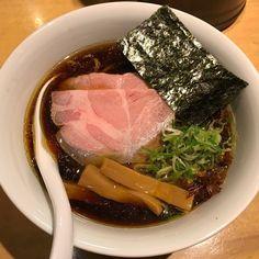 #241 黒醤油  煮干し醤油煮干し醤油の順番でボディーブローくらいます()/ スープずっと飲んでられる() 旨し 僕はラーメン食べてます()/