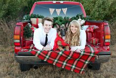trendy Ideas for photography props diy couples christmas cards Christmas Truck, Christmas Couple, Christmas Photo Cards, Christmas Card Photo Ideas With Dog, Christmas Photography Couples, Holiday Photography, Christmas Photoshoot Ideas, Diy Christmas, Xmas Cards