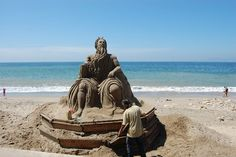 Impressive.... Some sand art/sculpture photos from Puerto Vallarta I've found…
